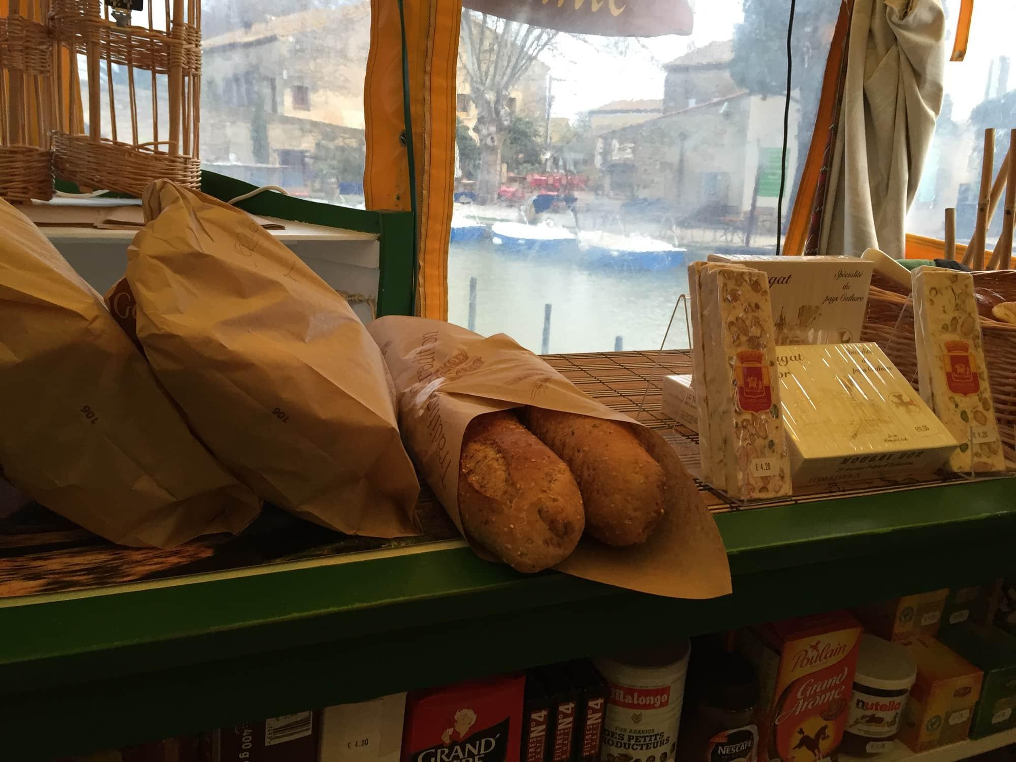 Baguette och croissant