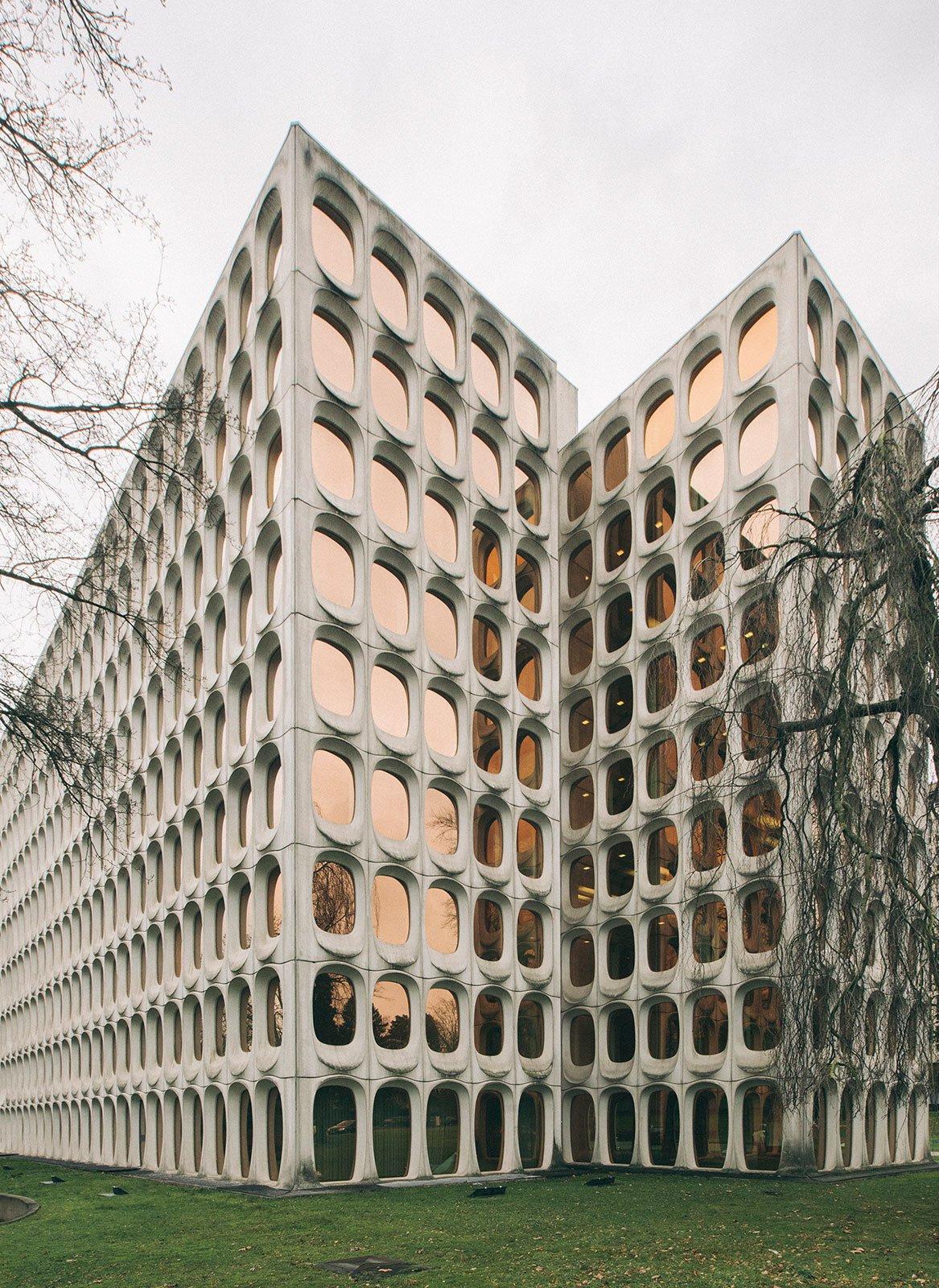 Constasntin Brodzki Brussels HQ