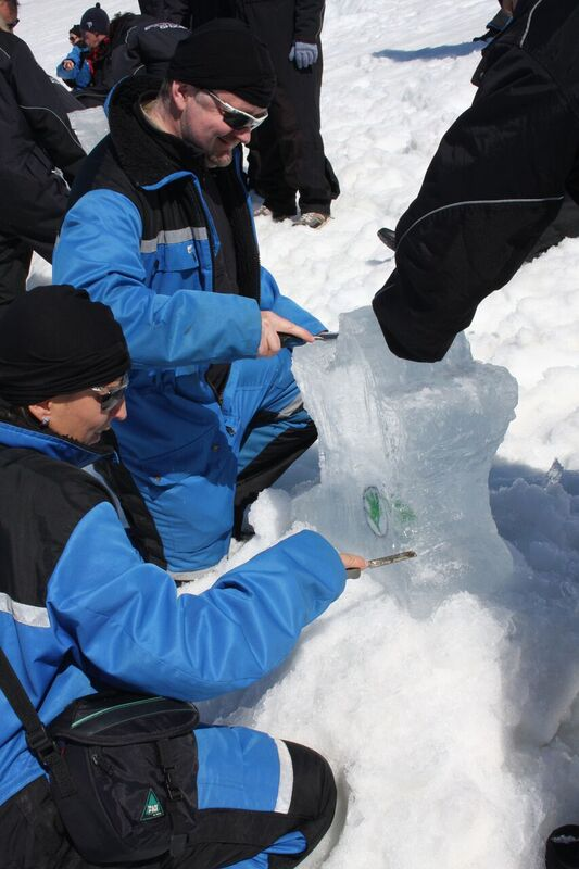 Making icesculpture