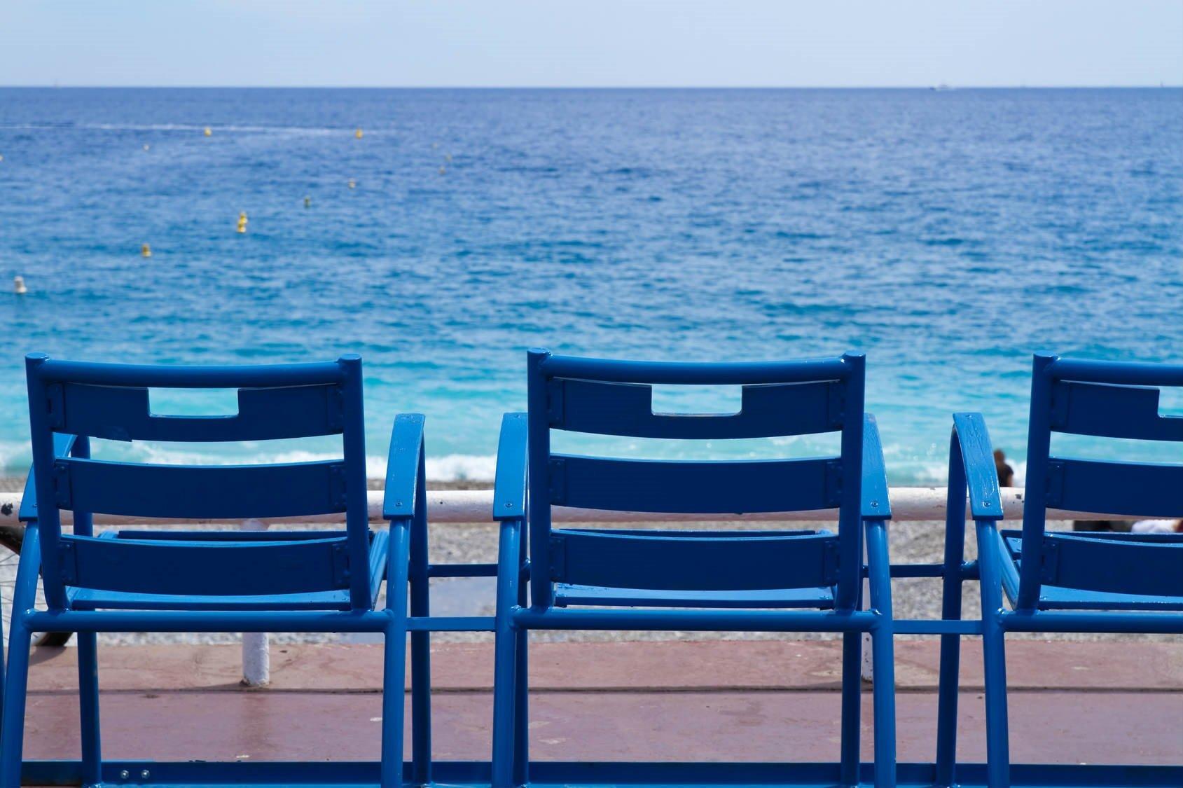 Nice blåa stolar havet 215