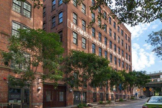 Thomson_Meter_Co_Water_Meters_building_in_DUMBO,_Brooklyn 1